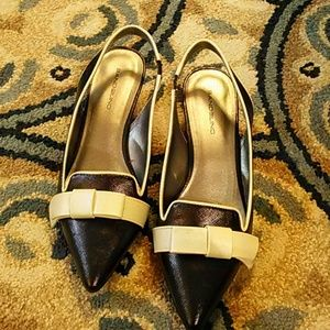 New Bandolino black and cream shoes size 9